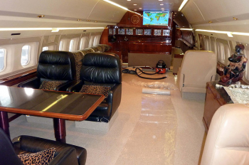 Business Boeing 727 VIP Jet Airliner