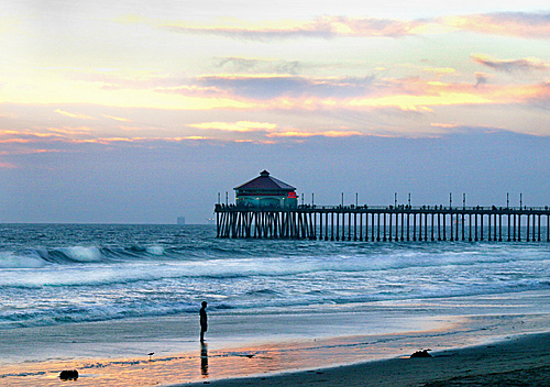 With 10 miles of uninterrupted beaches Huntington Beach blends surfing's relaxed spirit with a contemporary style which creates an ocean side destination like nowhere else on the California coast.