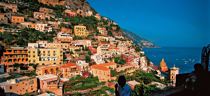 Aircraft Charter to Naples Italy